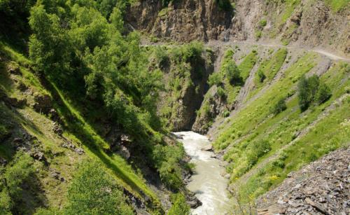 Cesta do Ushguli je masakr