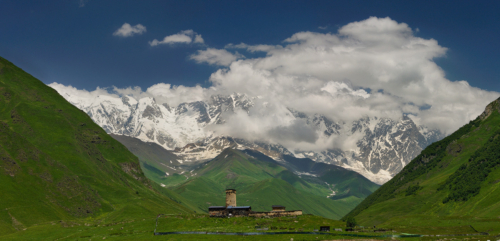 Schara 5 206 m a klášter Lamaria