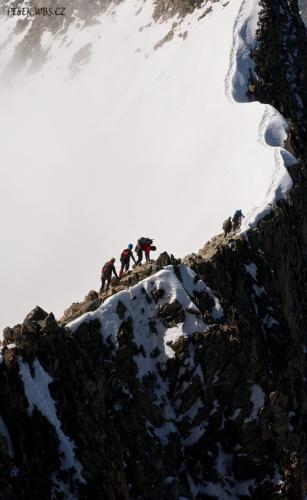 Vrcholový hřebínek kolem 4 000 m.