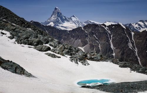 Matterhorn 4 478 m z výška cca 3 400 m